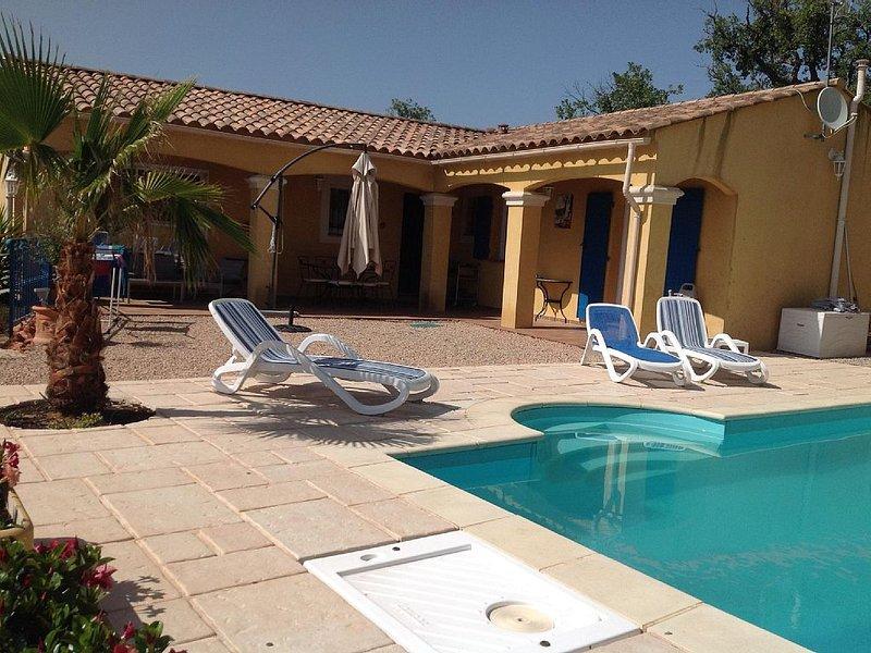 Villa avec piscine privée, 3ch dans le Var en PACA, clim, terrain de boules, wif, location de vacances à Vidauban
