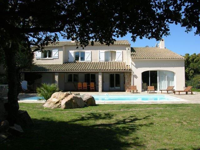 Villa calme avec piscine au coeur de Porto-Vecchio, aluguéis de temporada em Porto-Vecchio