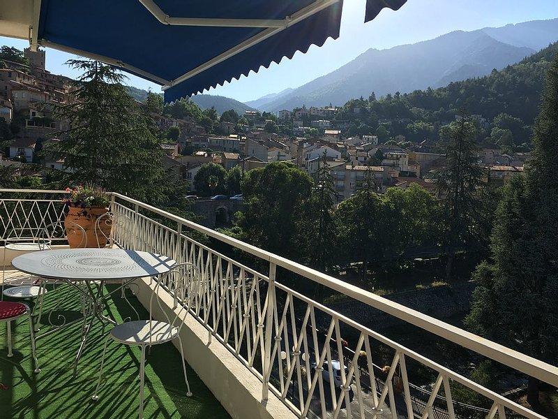 Exceptionnel appartement au Sud grand ouvert sur la nature à Vernet les Bains, holiday rental in Fuilla