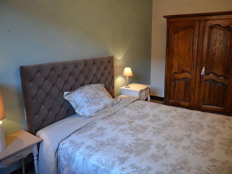 Meuble de tourisme 3* Maison de Village tout confort avec terrasse, cour, bassin, location de vacances à Monoblet