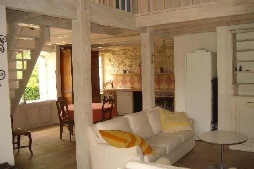 Maison de charme du XVIIIème avec piscine à 15 min de Bordeaux., casa vacanza a Cambes