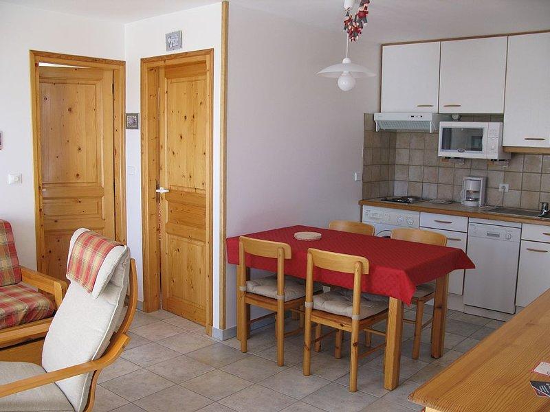 Appartement très lumineux en rez de jardin,, location de vacances à Hautes-Alpes