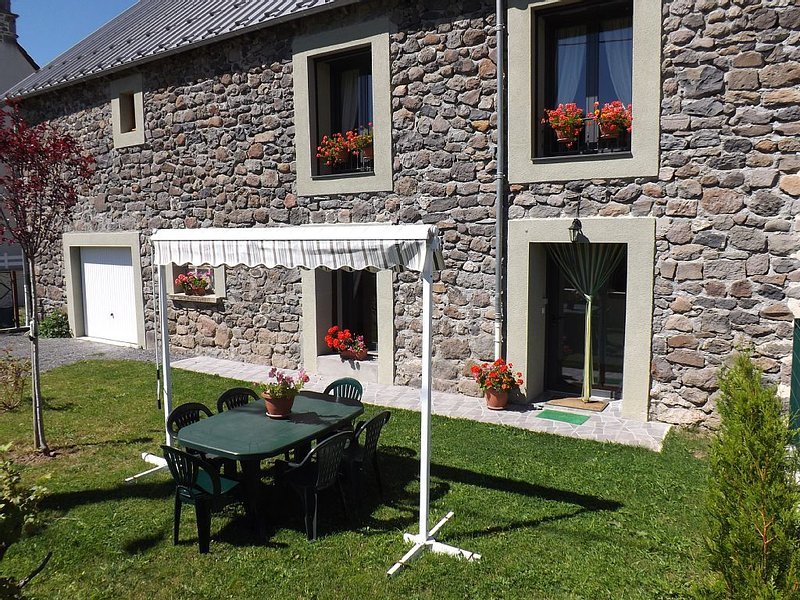 Gite 6 / 7pers near the super Lioran station, park des Volcans (3 stars), vacation rental in Albepierre-Bredons