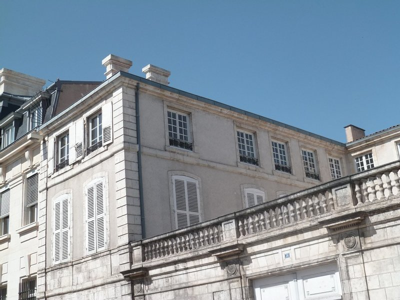 Apartment City Centre Mansion - PARKING - WIFI, vacation rental in La Rochelle