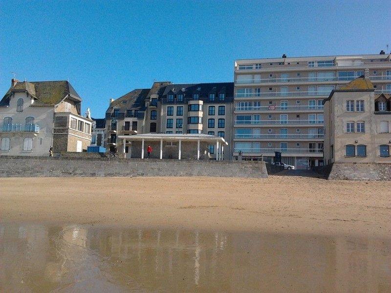 Sillon Beach, T2, 43 m², secure parking, wireless internet, Chq holiday, aluguéis de temporada em Saint-Malo