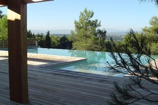 Villa d'architecte contemporaine standing grande piscine,vue 7 km  Carcassonne, holiday rental in Villardonnel