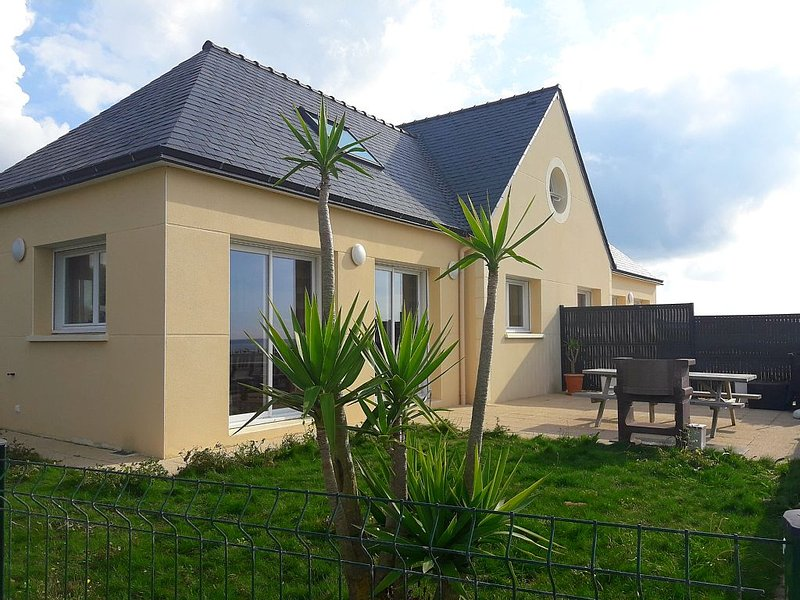 Pretty contemporary house with sea view 200m from the beach in Le Conquet, vacation rental in Le Conquet