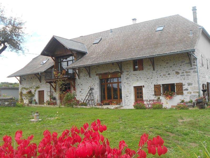 Appartement spacieux, entre lac d'Annecy et montagne, holiday rental in Aviernoz