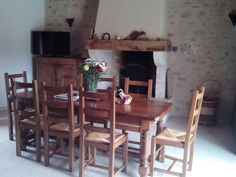 Beau gîte au coeur des bastides avec cheminée pour profiter de la campagne, alquiler de vacaciones en Lot-et-Garonne