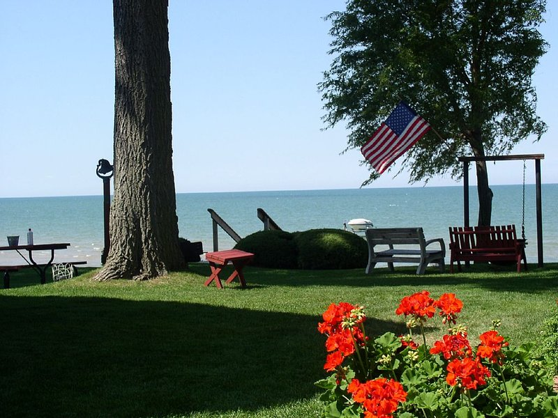 Waterfront cottage with beautiful view located at 3478 Port Austin Road, holiday rental in Port Austin