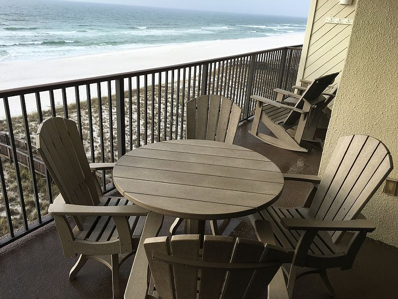 How about a November/December vacation? Get those wires untangled on the beach., alquiler de vacaciones en Navarre