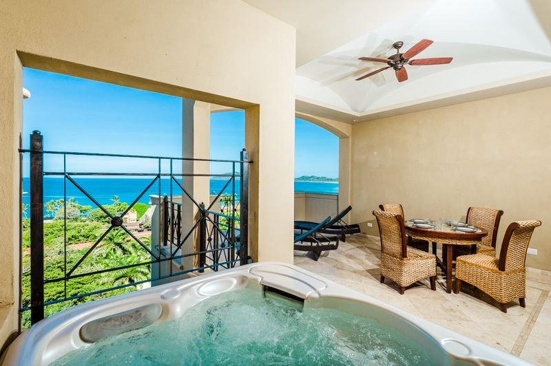 Gorgeous two story 4 bedroom condo with an incredible ocean view, holiday rental in Tamarindo