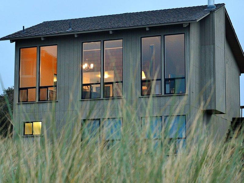 Your Beach Home (not a condo!) Away from Home..., casa vacanza a Watsonville