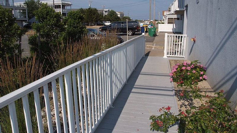 ramp to the beach or side entry