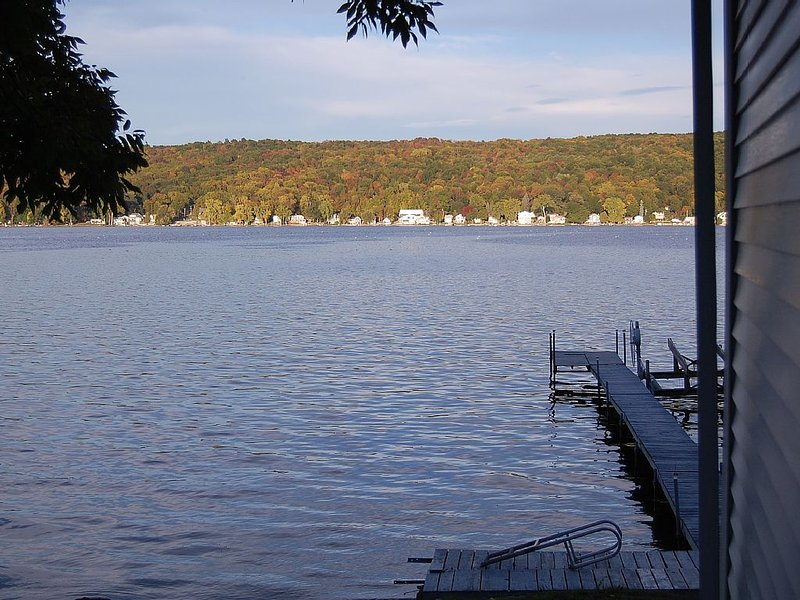 Reed and Relax on Conesus Lake. This 3 bedroom cottage that sleeps 8., holiday rental in Wayland