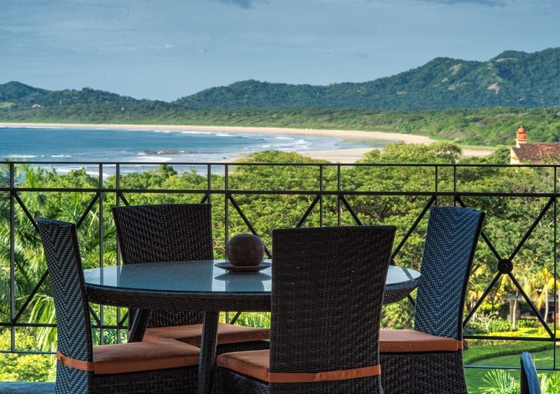 Incredible oceanfront 2 BDR property overlooking Tamarindo Bay MAT502, vacation rental in Tamarindo