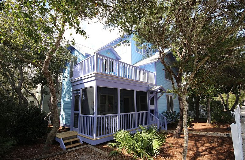 In Seaside Proper 'Snail's Pace' 41 Savannah,2 BR/2 BA,Tower, aluguéis de temporada em Seaside