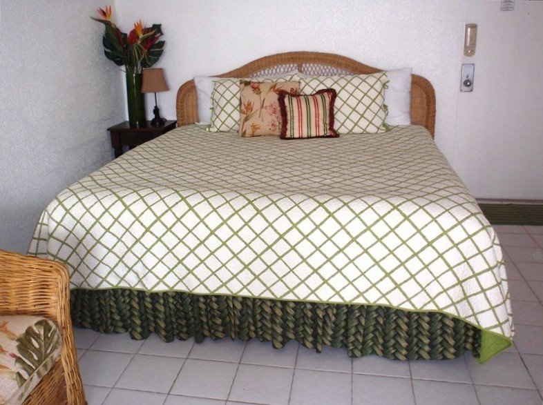 This Gorgeous Oceanfront Studio is Perfect for Couples!, holiday rental in Bolongo Bay