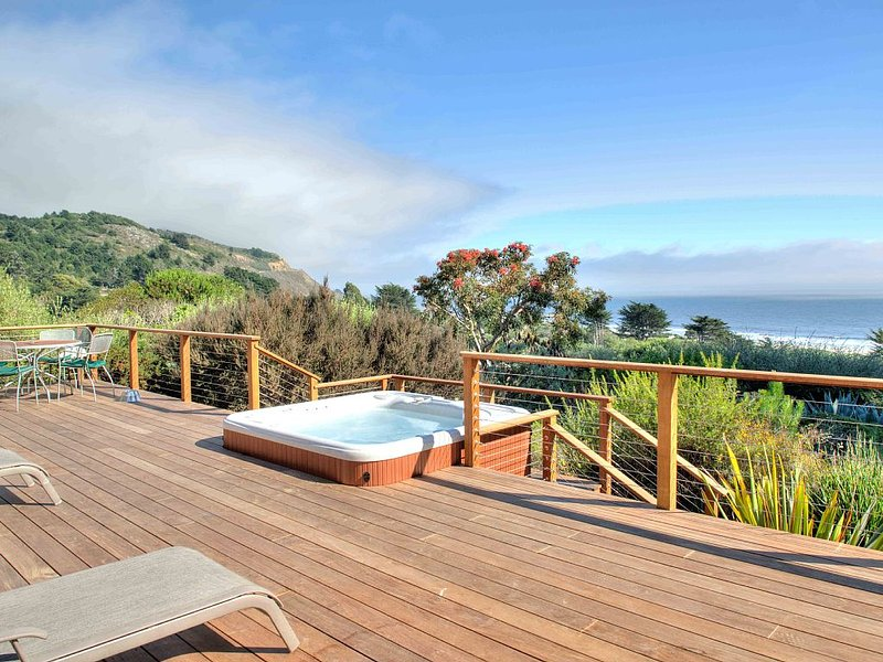 Fresh Hillside House with Million Dollar Ocean View, alquiler de vacaciones en Bolinas