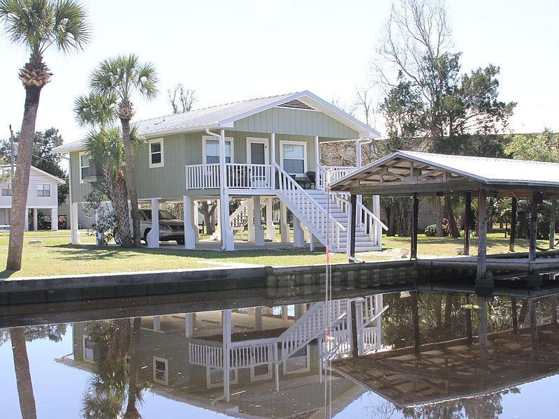Suwannee House: Breathtaking Views Of The Gulf Of Mexico, holiday rental in Suwannee