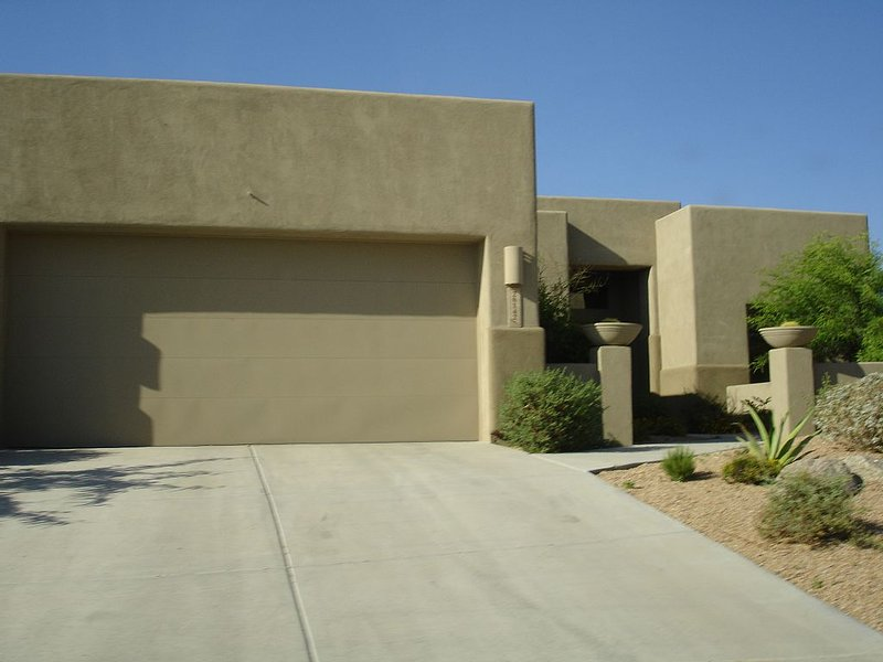 TROON NORTH DISCOUNTED!  FOUR SEASONS RESORT style LUX, vacation rental in Carefree