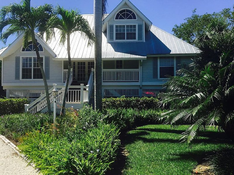 Charming SeaGull Estates Home in Prime Location, vacation rental in Sanibel Island
