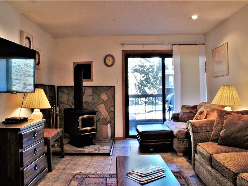 2BR Condo at Purgatory Sleeps 6 - Close to Slopes - WiFi - Grill - Full Kitchen, holiday rental in Durango Mountain