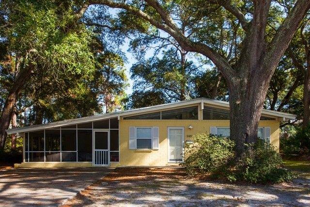 MELLOW YELLOW 3 bedrooms, 2 bathrooms, vacation rental in Jekyll Island