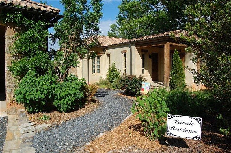 Authentic Italian Villa Overlooking Vineyard at Montaluce, location de vacances à Suches