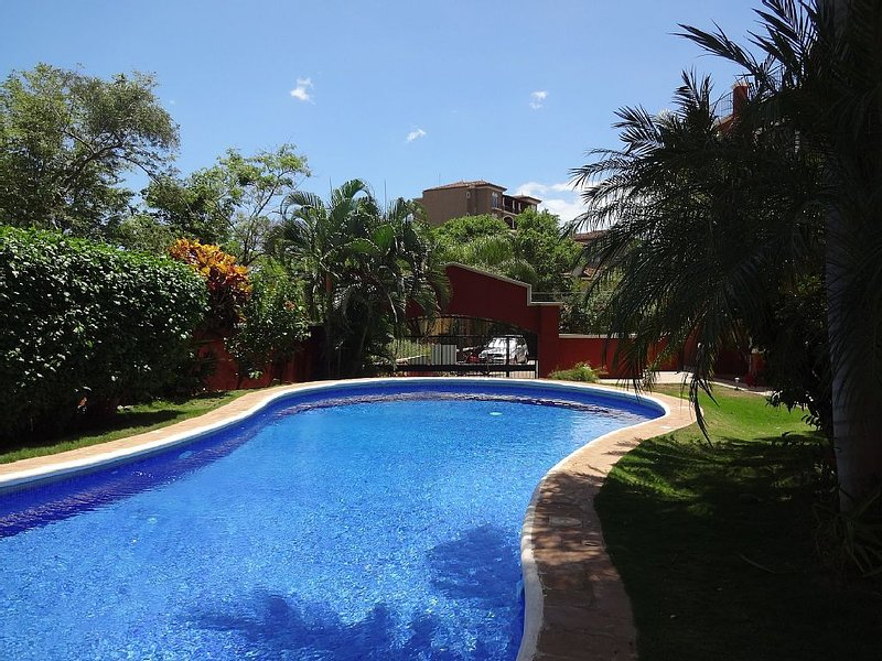 2 Bed/2 Bath, Private Rooftop Terrace, Heart Of Tamarindo, vacation rental in Tamarindo