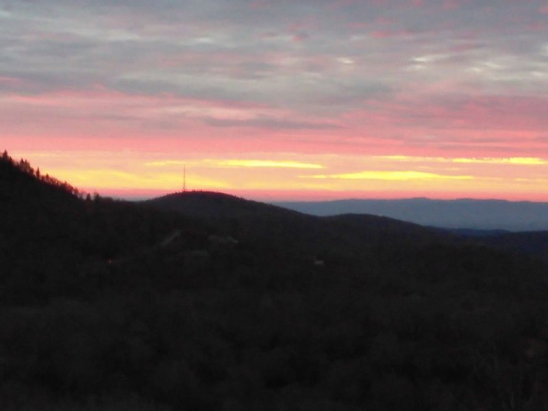 Spectacular Views from this Cozy Mtn. Condo * The Reserve at Sugar Mtn. By Owner, vacation rental in Banner Elk
