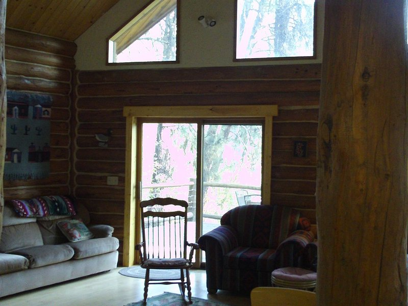 Log Cabin on the Famous South Fork Payette Whitewater River, holiday rental in Horseshoe Bend