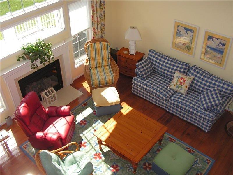 Pasar por alto de altillo: Sunny de dos pisos FP sala de estar y TV / sillones reclinables inteligentes