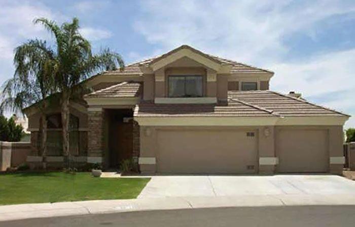 5 Bedroom Luxury Home - Amazing Glendale Location, vacation rental in Glendale