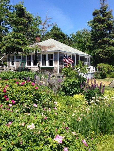 Traditional 1930's Maine shingle cottage, a true gem!