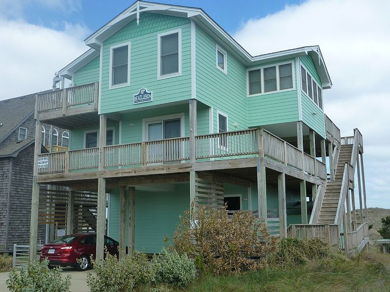 'SEACLUSION' FOR ALL, AN OCEAN FRONT LUXURY HOME, holiday rental in Hatteras Island