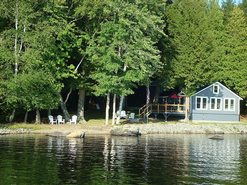 Charming 3 Bed Room Lake Front Cottage on Waters Edge, Sebasticook, holiday rental in Harmony