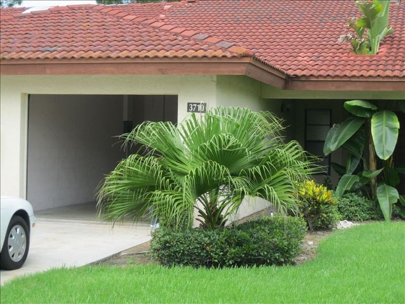 Sarasota Vacation Villa-- Heated Pool, Tennis Court and More.., holiday rental in Sarasota