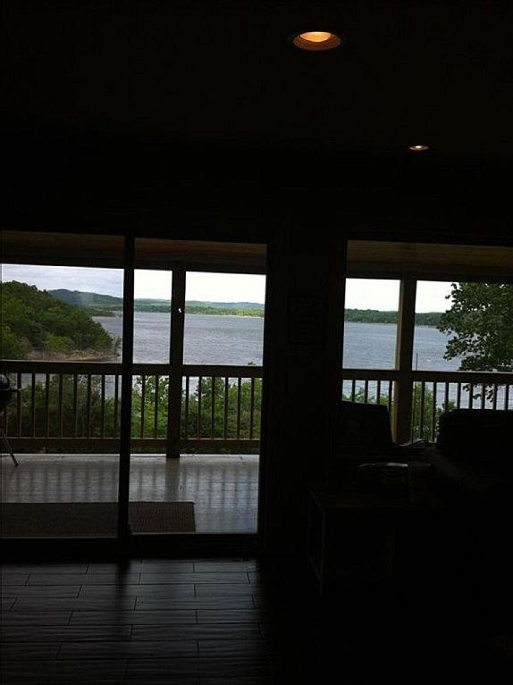 Vue sur le lac que vous entrez dans la maison. C'est lakelife!
