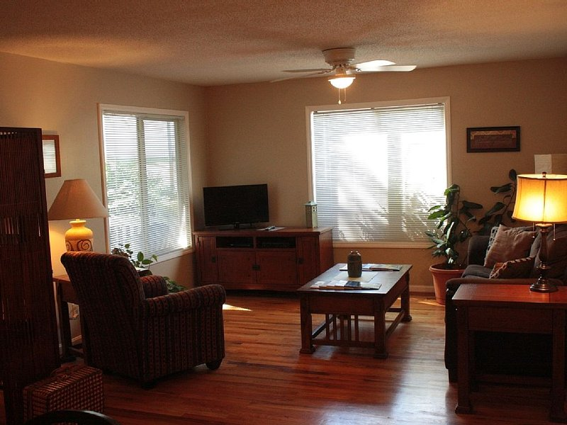 Walking Distance to Downtown, casa vacanza a Weaverville