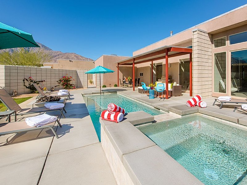 Mid-Century Modern Lifestyle... Reimagined!, casa vacanza a North Palm Springs