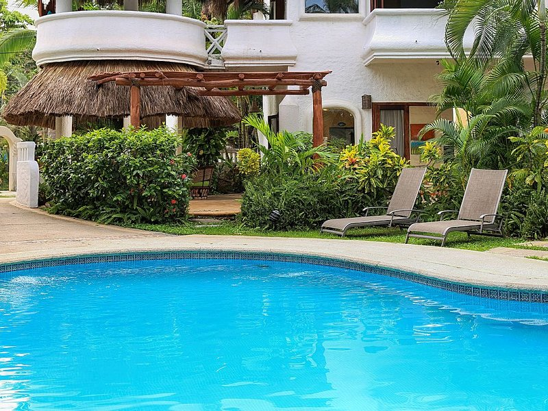 Sayulita Beachside Home with Pool, ~AC~, holiday rental in Sayulita