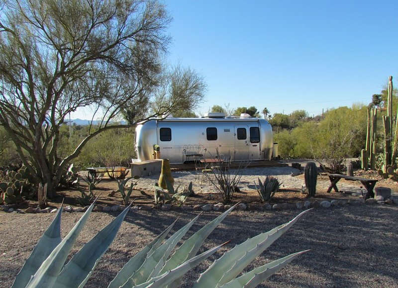 Unique Retreat - Airstream in Central Location - Remote Feeling., holiday rental in Tucson