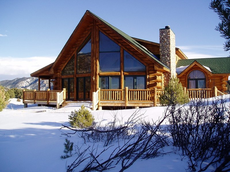 Log home on Oak Creek Mountain Ranch with 360 views,, holiday rental in Silver Cliff