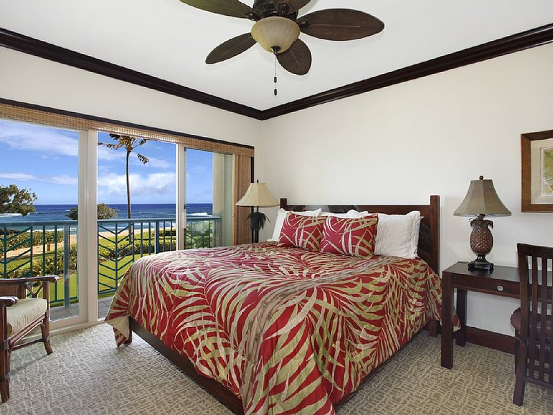 ***BEACH Front Bliss*** 3 beds PRIME LOCATION x3 & FAST Wifi, vacation rental in Kapaa