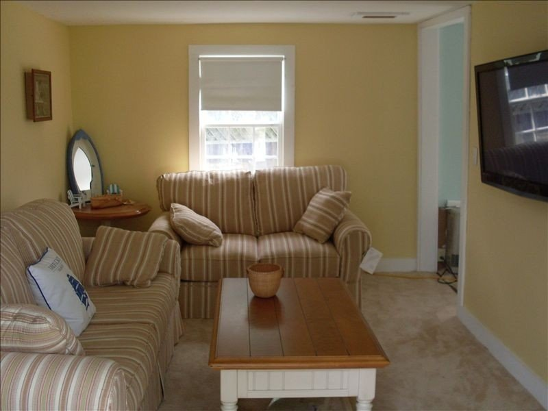 FREE 3rd Night!* (See description) Nantucket in Town 3 Bedroom 1 Bath Cute House, vacation rental in Nantucket
