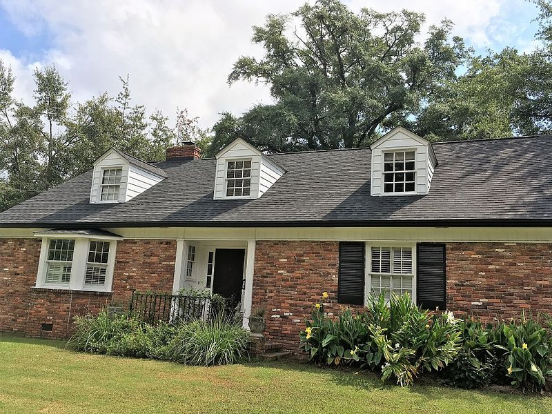 THE location for Masters! Historic Summerville, 1.2 miles from Augusta National, alquiler vacacional en Augusta