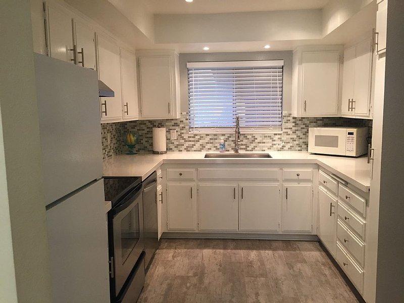 Newly Remodeled Condo, Great Location, In The Heart Of Rancho Mirage, alquiler de vacaciones en Rancho Mirage