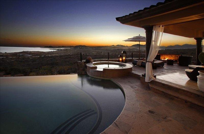 Plush! Plush! Plush! Custom, Brand New Ocean View Villa, location de vacances à San Jose Del Cabo