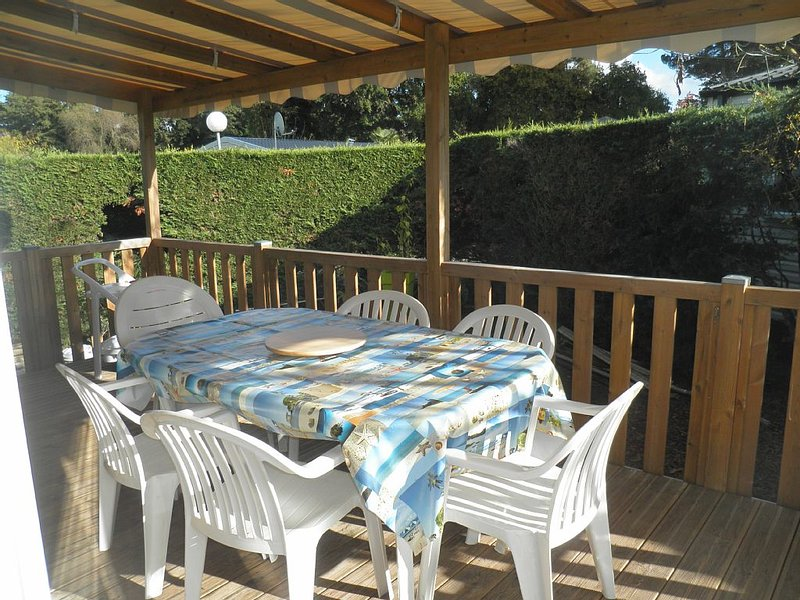mobilhome 6/8 pers de 40m2  confortable et spacieux, holiday rental in Royan